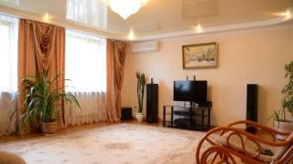 Пятикомнатная квартира в Евпатории по ул Интернациональной 132 а
