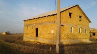 Дом в пригороде Евпатории.